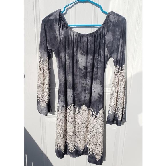 Dresses & Skirts - Honey Me Dress